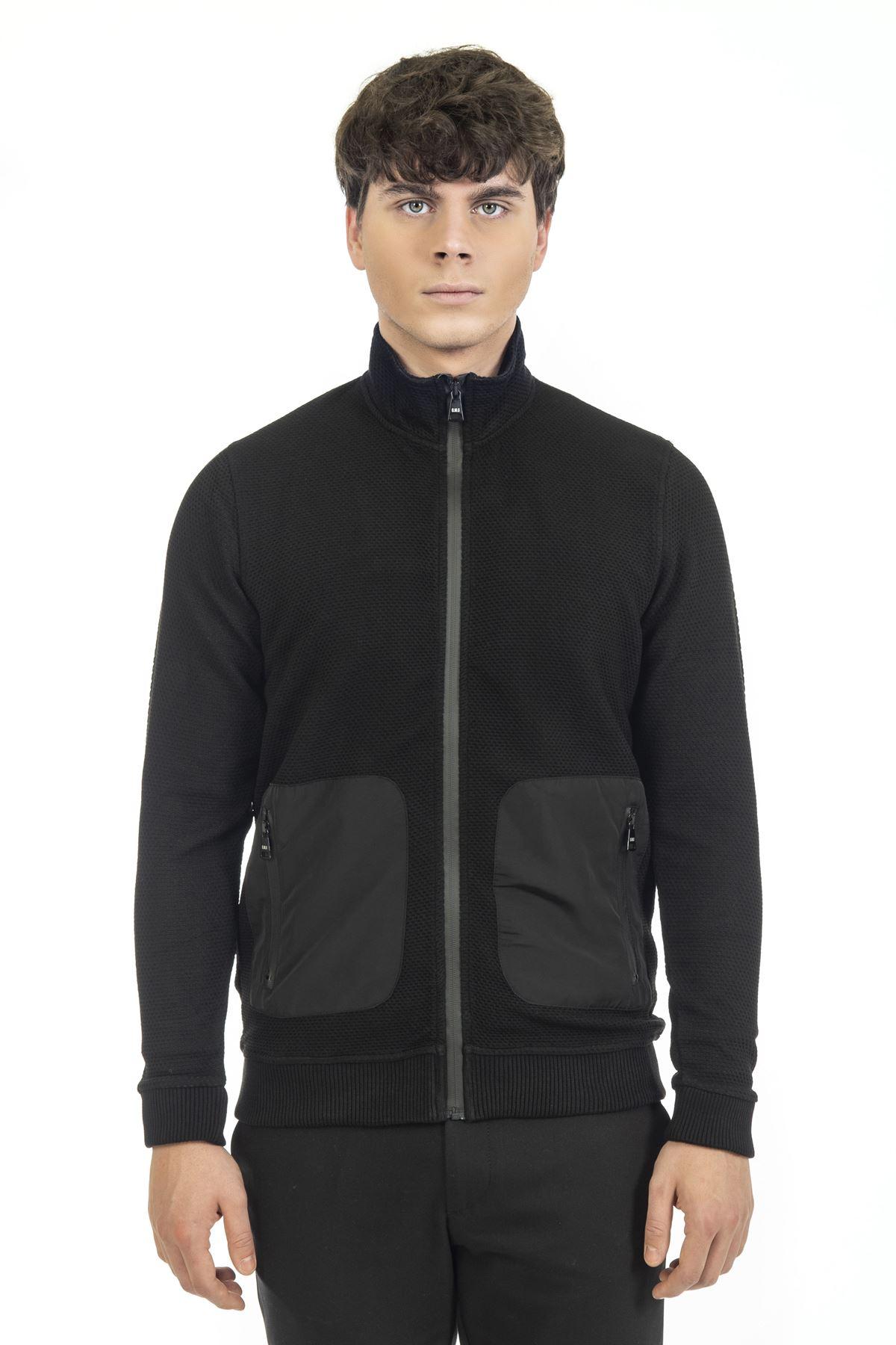 Siyah Dik Yaka Fermuarlı Sweatshirt