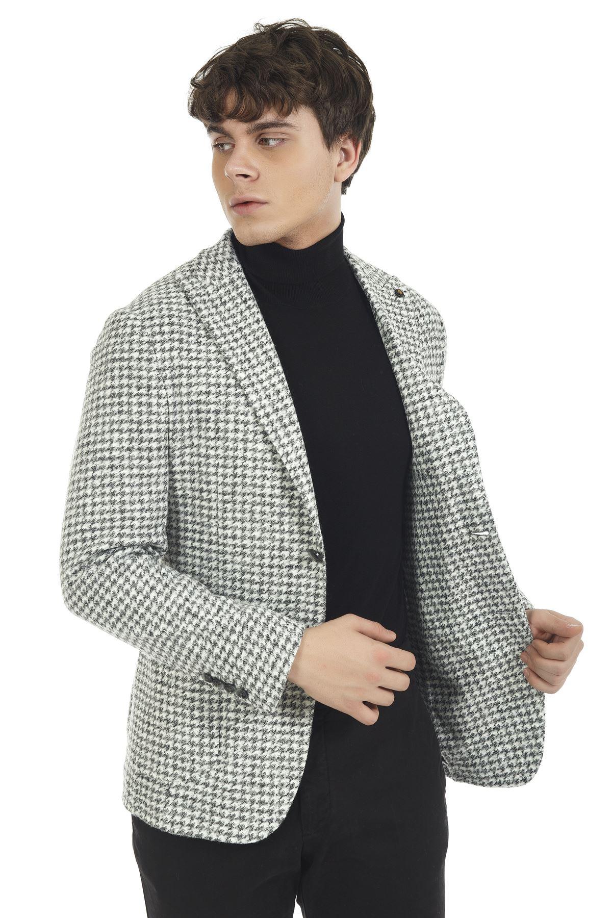 Siyah Beyaz Desenli Malzemesiz Süper Slim Yün Ceket
