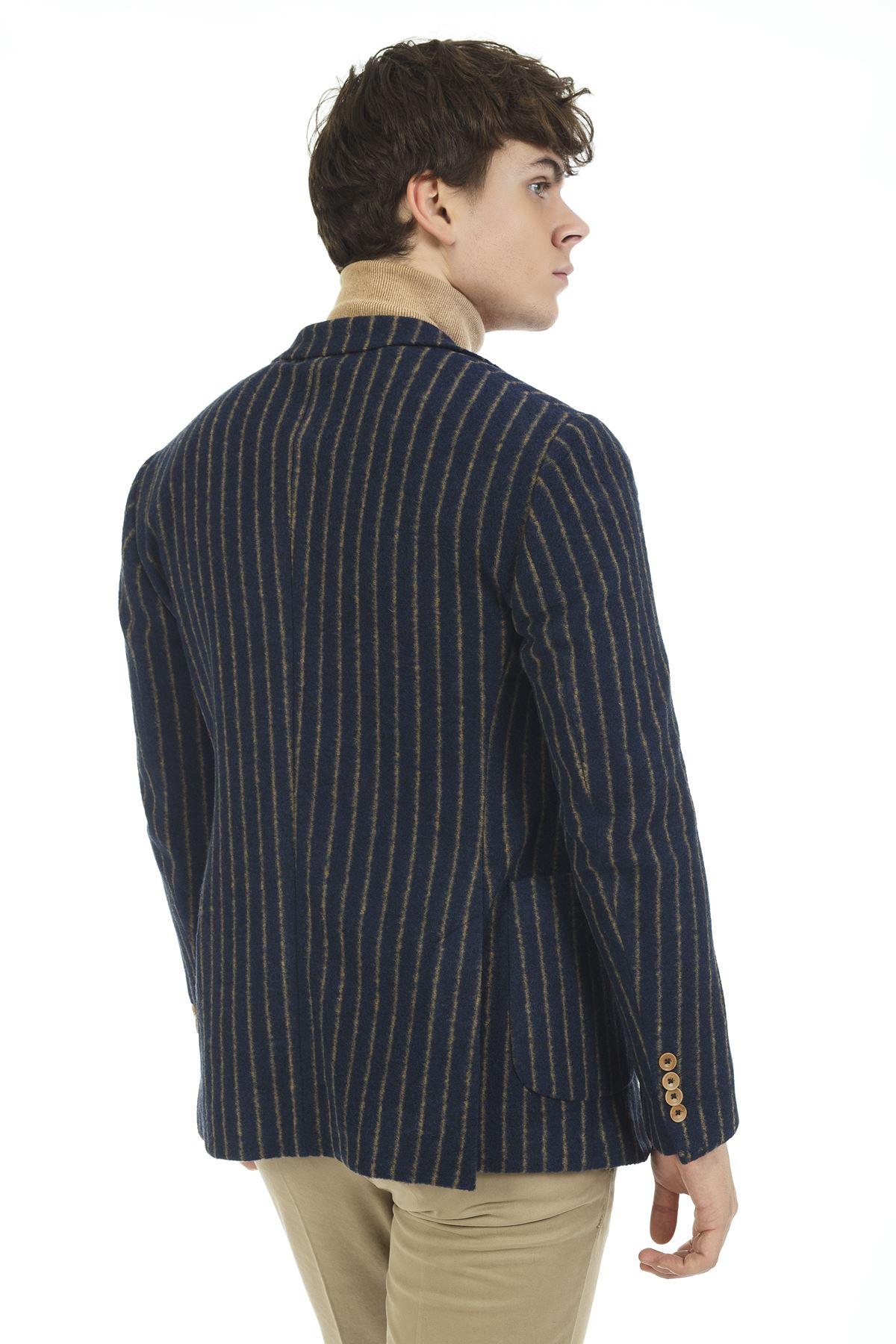 Lacivert Bej Çizgili Malzemesiz Süper Slim Yün Ceket