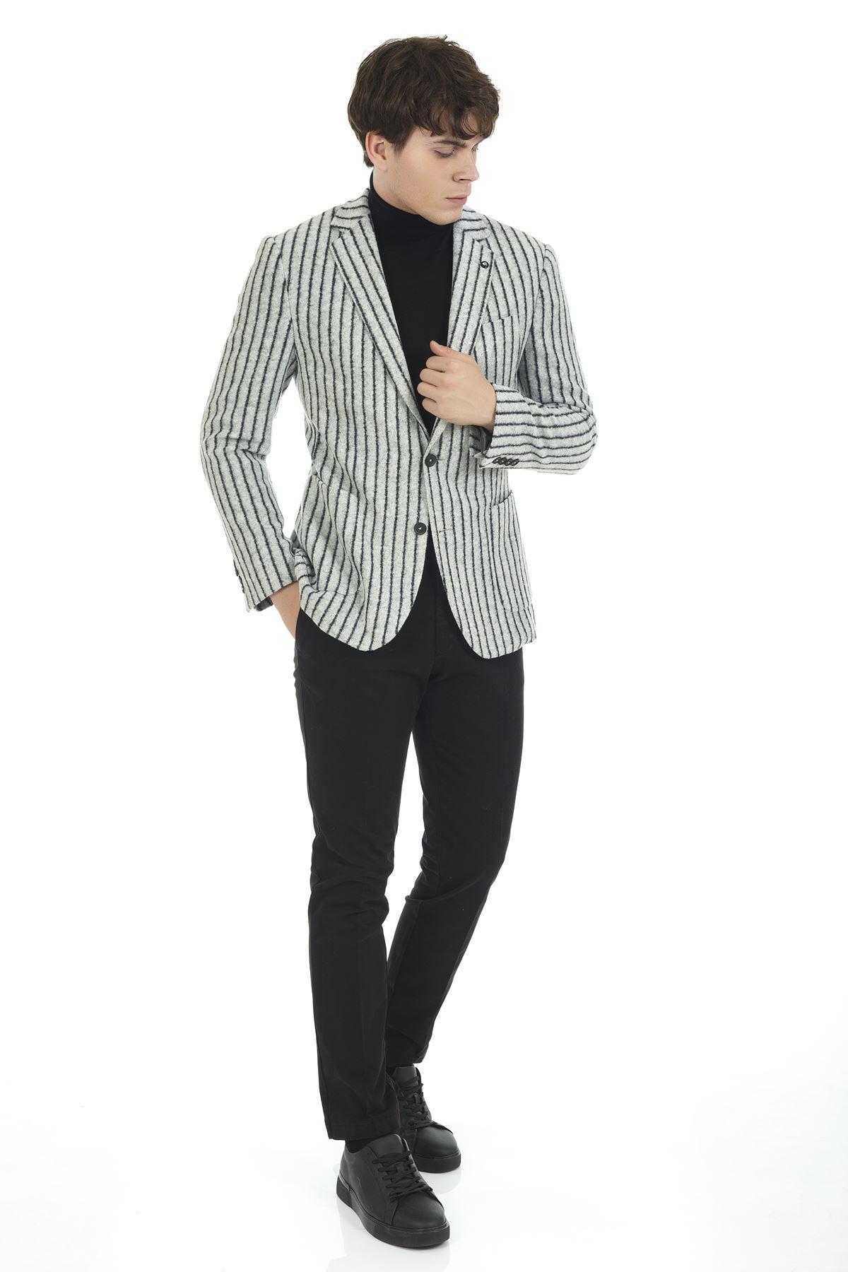 Siyah Beyaz Çizgili Malzemesiz Süper Slim Yün Ceket