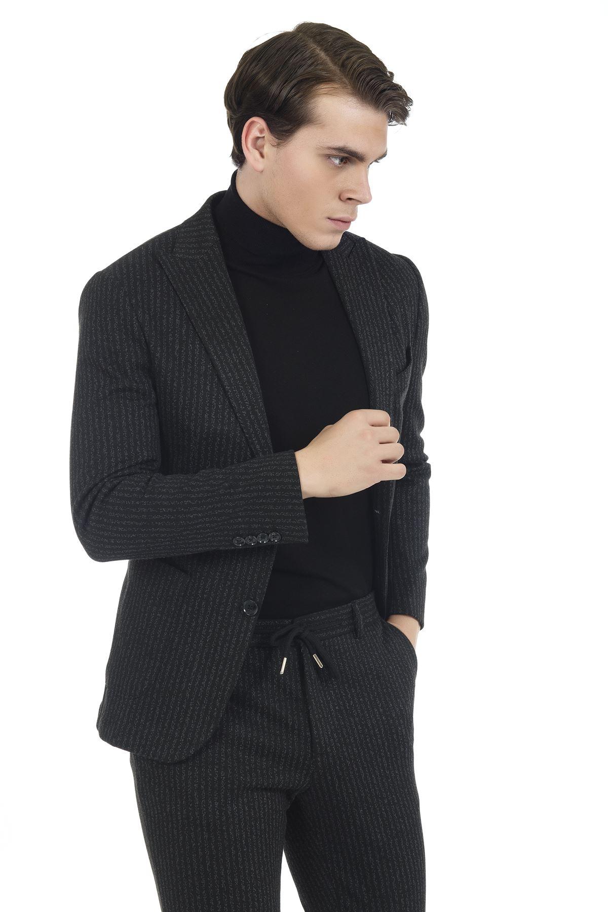 Siyah Beyaz Çizgili Süper Slim Likralı Spor Takım Elbise