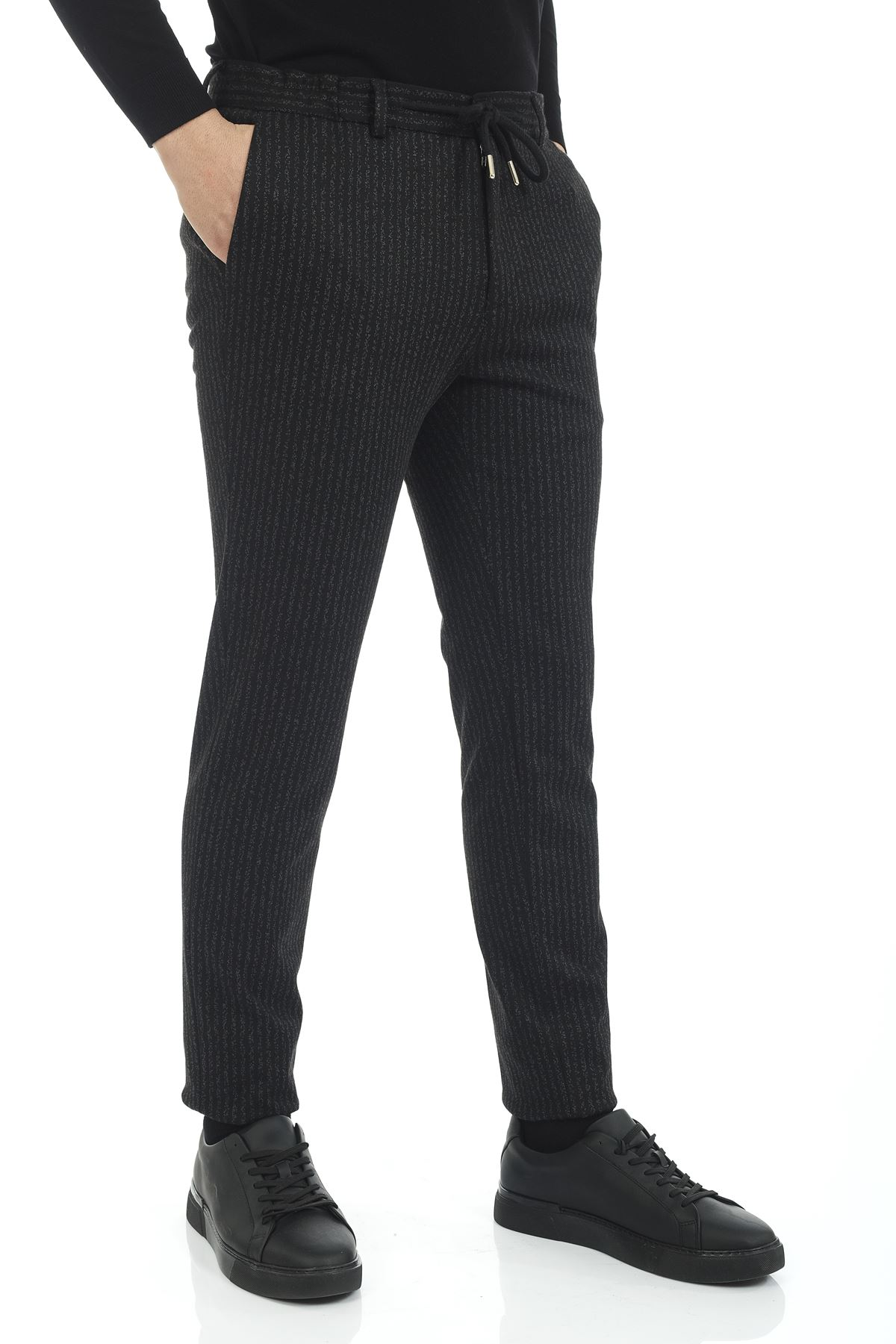 Siyah Beyaz Çizgili Süper Slim Kalıp Jogger Pantolon