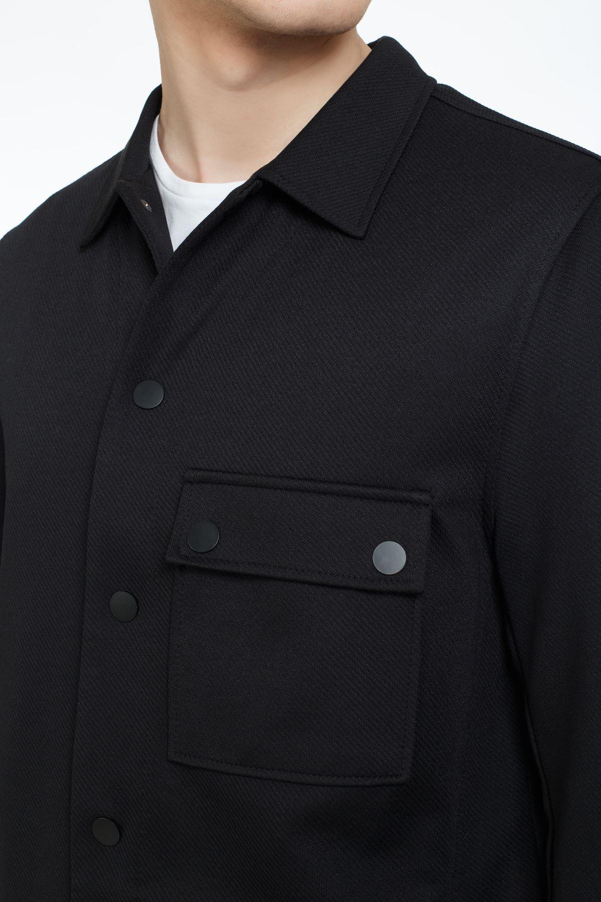 Siyah Gömlek Yaka Çıt Çıtlı Sweatshirt
