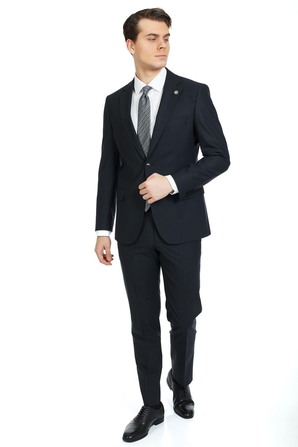 Siyah Regular Kalıp Klasik Yünlü Takım Elbise