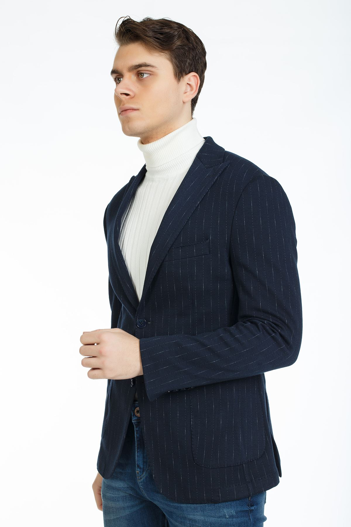 Lacivert Beyaz Çizgili Süper Slim Kalıp Spor Ceket