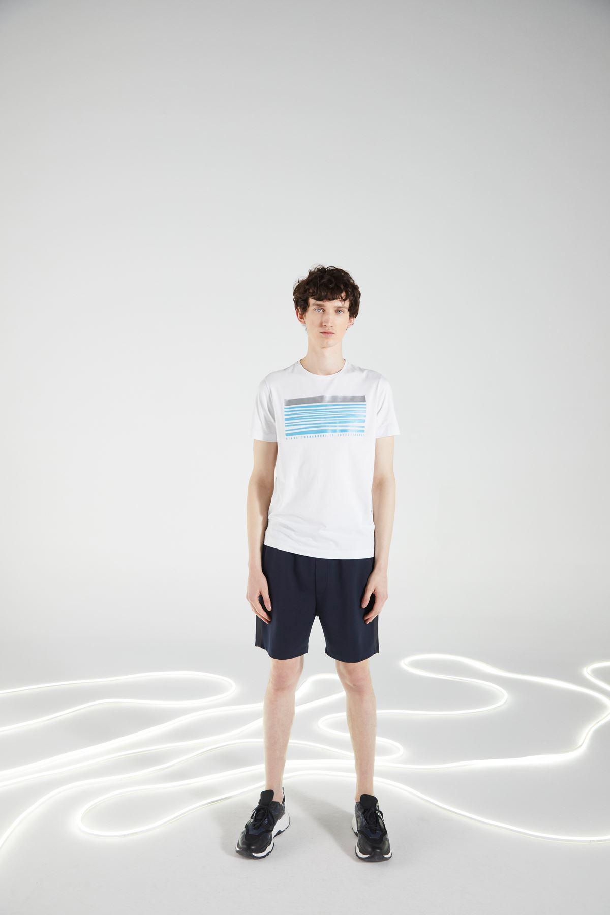 Beyaz Bisiklet Yaka Baskılı Kısa Kol Tshirt