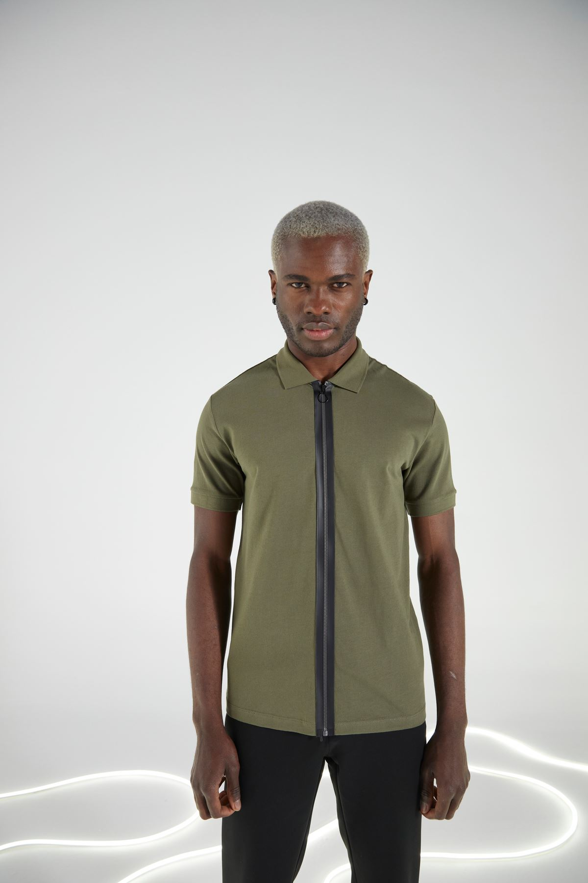 Haki Gömlek Yaka Fermuarlı Kısakol Tshirt