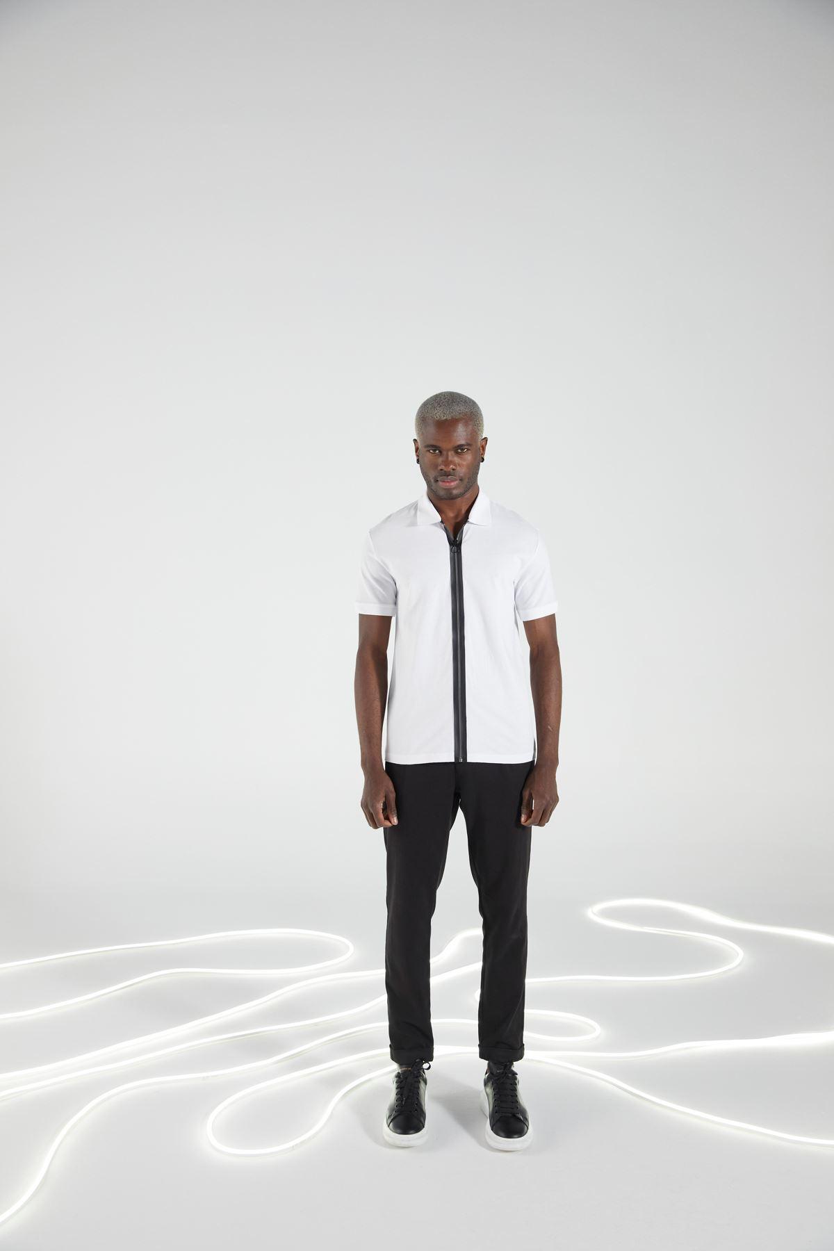 Beyaz Gömlek Yaka Fermuarlı Kısakol Tshirt
