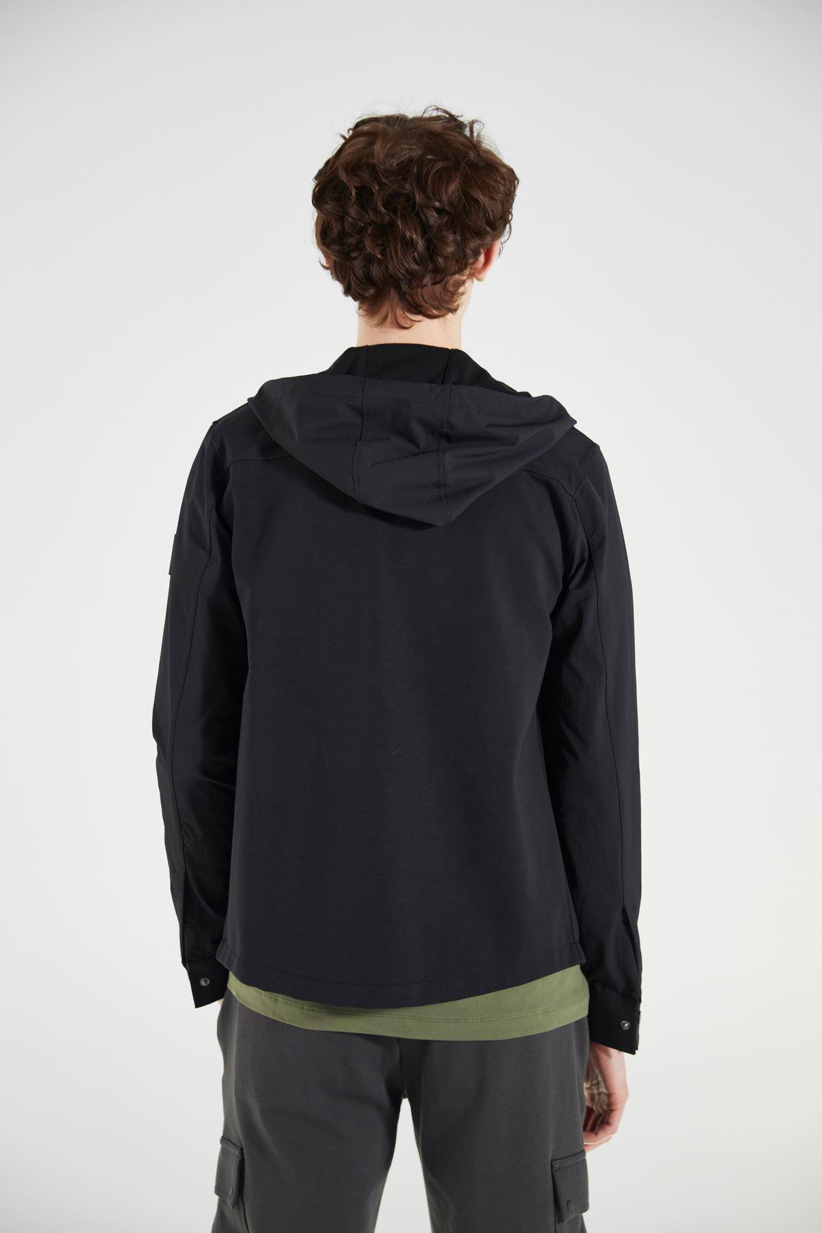 Siyah Kapüşonlu Garnili Uzun Kollu Yazlık Mont