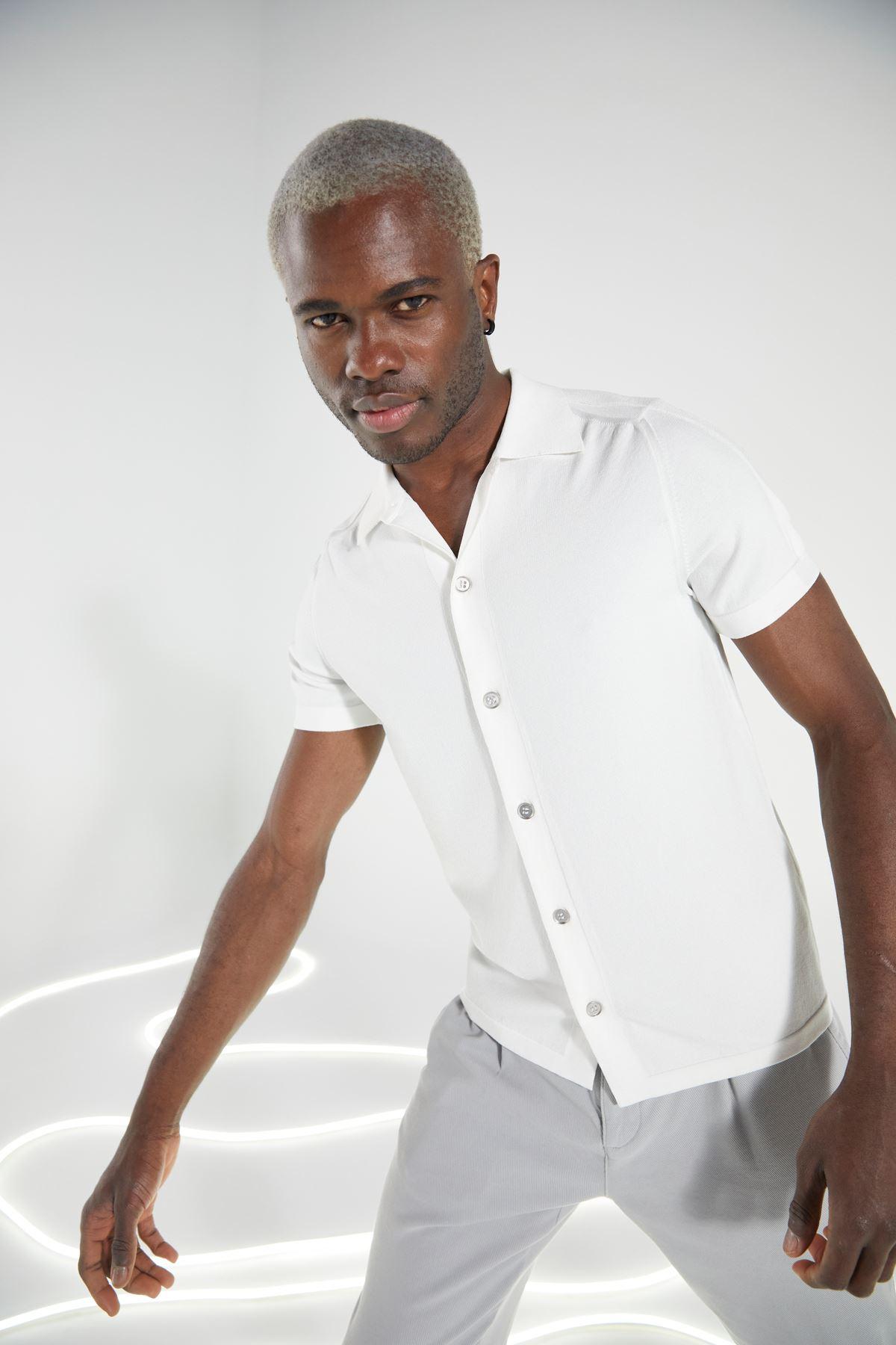 Ekru Gömlek Yaka Düğmeli Triko Kısakol Tshirt