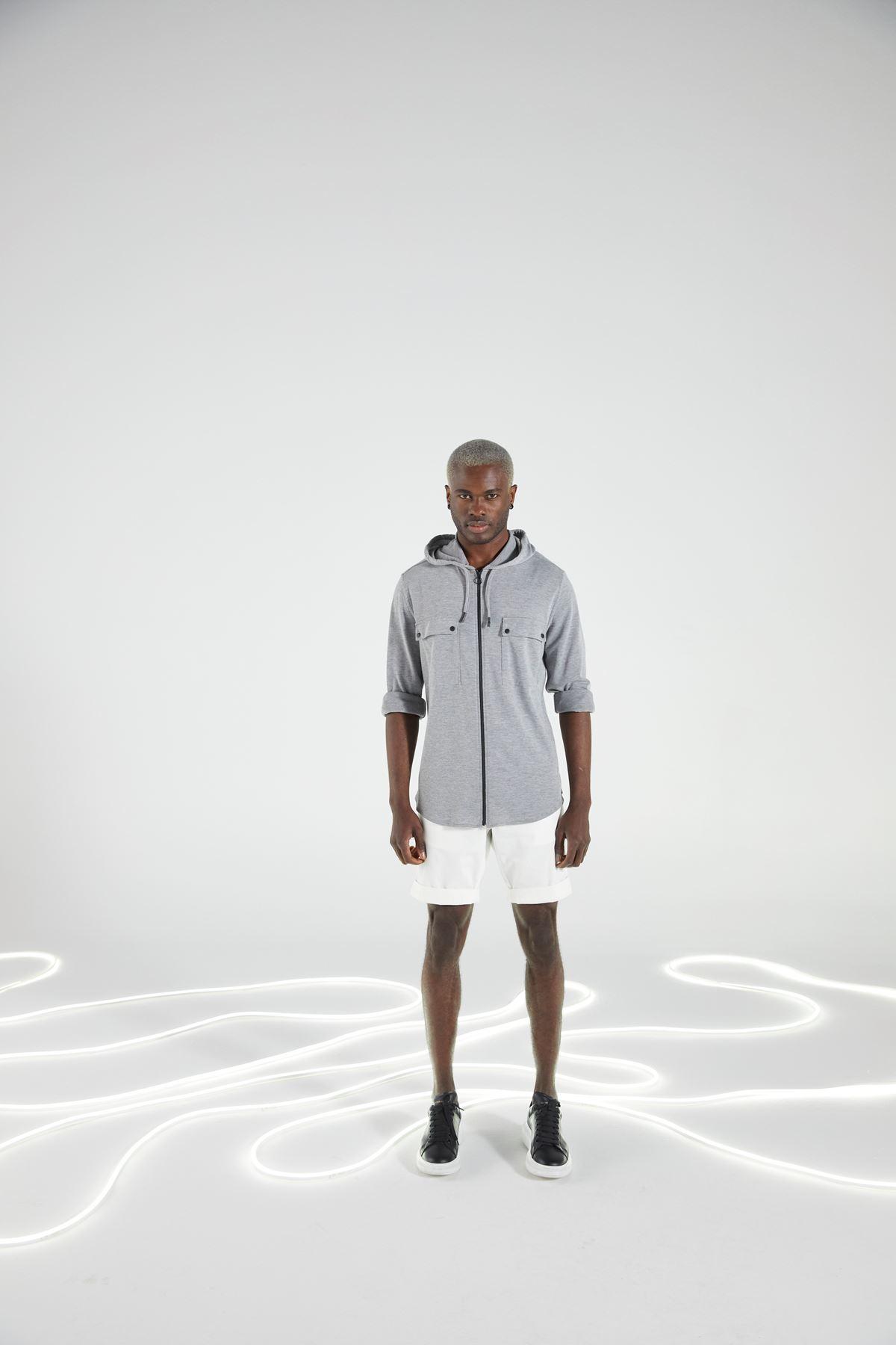 Gri Kapüşonlu Fermuarlı Spor Gömlek