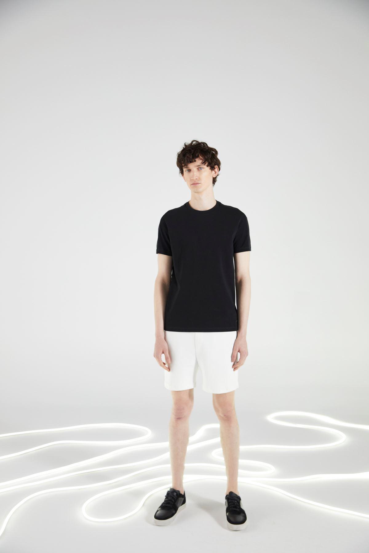 Siyah Bisiklet Yaka Tshirt