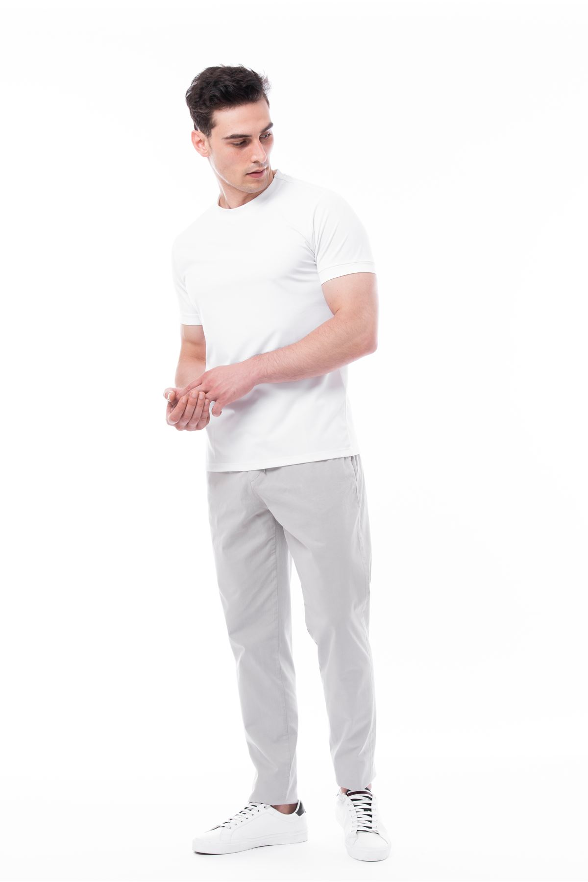 Beyaz Bisiklet Yaka Likralı Tshirt